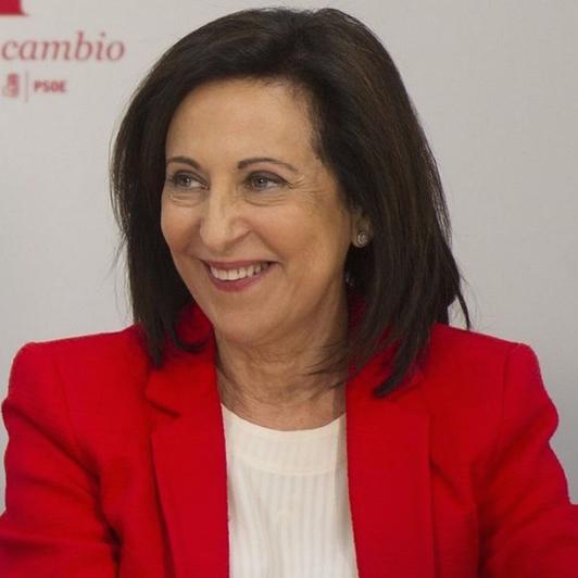 El ministerio de Defensa que dirige Margarita Robles afirma desconocer la existencia de un informe sobre neonazis en el Ejército español